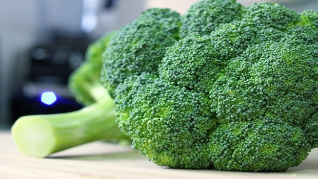 foods to reduce high blood pressure-broccoli