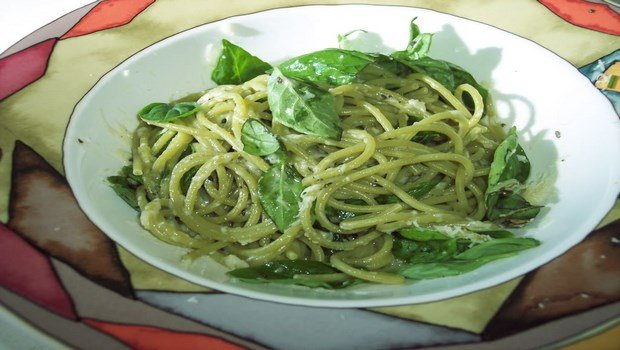 healthy dinner ideas for weight loss-spinach and spaghetti