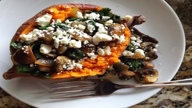 healthy dinner ideas for weight loss-sweet potato, mushrooms, and baked chicken