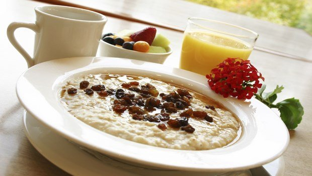 healthy living habits-eat a healthy breakfast