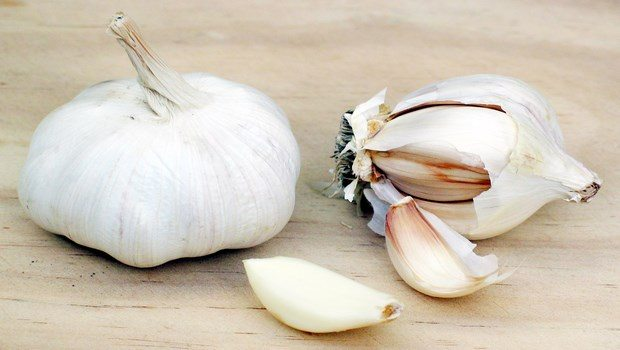 how to cure asthma-garlic