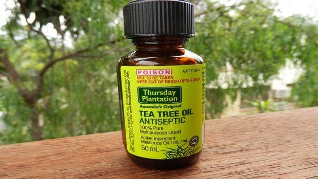 how to get rid of dry flaky scalp-tea tree oil