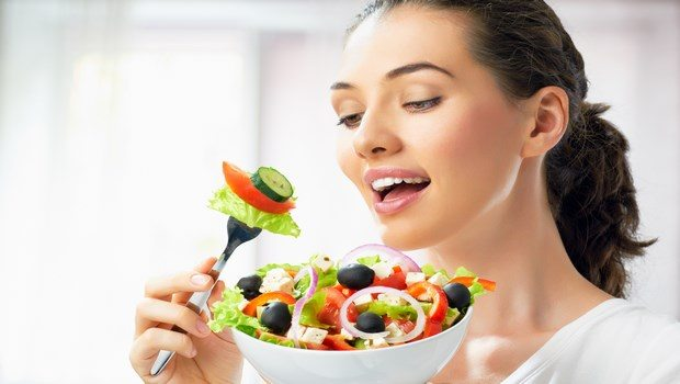 how to lose weight naturally-eat healthy foods