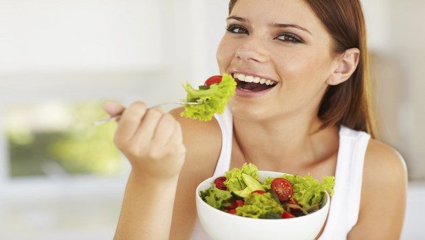 how to lose weight naturally-eat with opposite gender