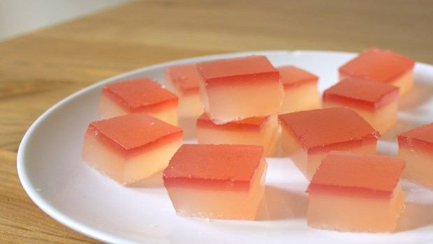 how to make jelly-rhubarb and champagne jelly