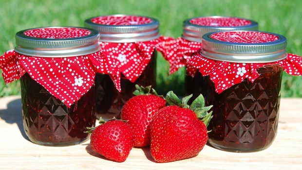 how to make jelly-strawberry jelly