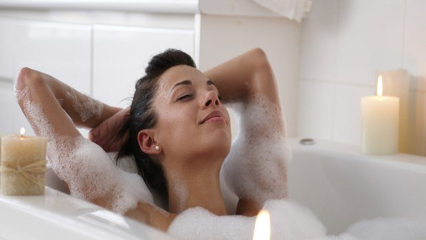 how to relax during pregnancy-take a soak or a hot bath