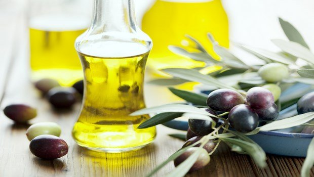 how to stop thinning hair-olive oil