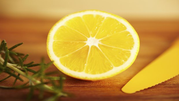 how to stop tooth decay-lemon