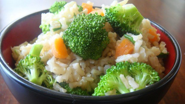 low blood pressure diet-brown rice with vegetables
