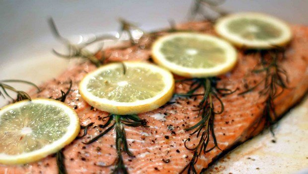 low blood pressure diet-salmon with capers