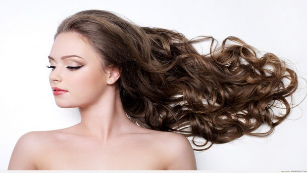 mineral oil for hair-ability to hold moisture