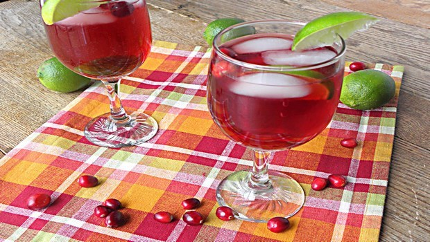green tea for weight loss-green-tea cranberry spritzer