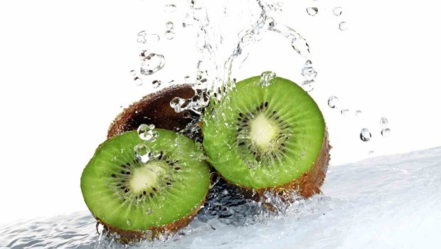 foods for healthy teeth - kiwi fruit