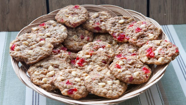 low-calorie dessert recipes-cherry cookies