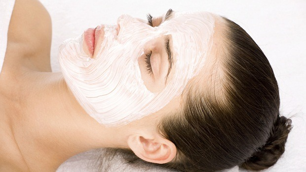 baking soda face mask - purifying mask of beer yeast and baking soda