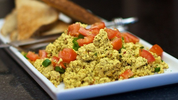 high protein low carb recipes - tofu scramble