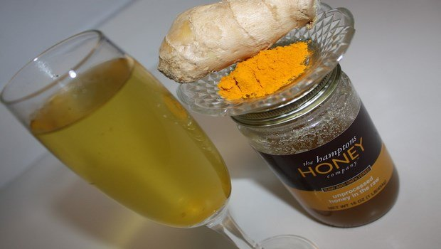 turmeric for allergies-turmeric juice with honey