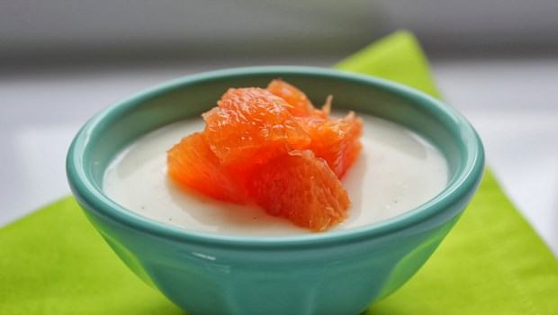 yogurt face mask recipe-yogurt and oranges