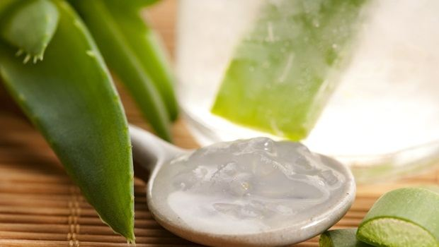 how to treat sebaceous cysts - aloe vera gel