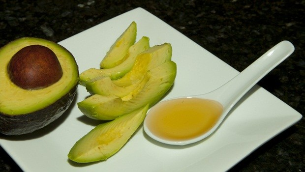 homemade facial moisturizer - avocado- honey moisturizer