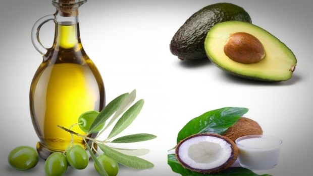 hair masks for frizzy hair - avocado, olive oil and coconut milk hair mask