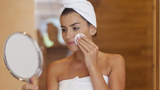 tips for healthy skin - exfoliate