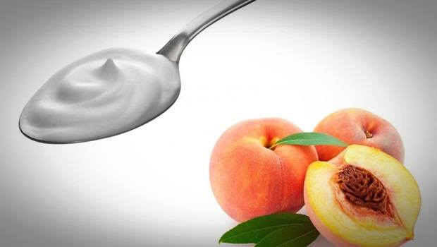 homemade facial moisturizer - heavy cream and peach homemade facial moisturizer