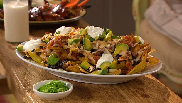 diet for good health - nachos with black beans and chicken