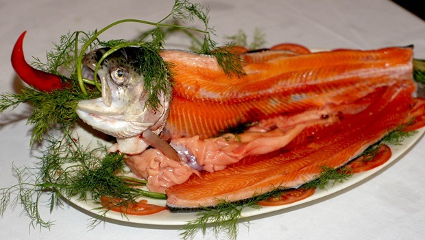 diet tips for men - sea fish helps to reduce the risk of contractive blood vessel