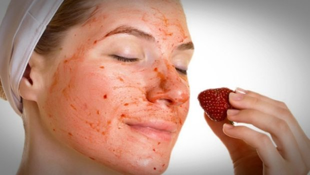 homemade facial moisturizer - strawberry moisturizer