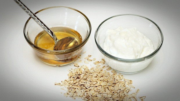 oatmeal face mask - yogurt, honey and oatmeal face mask