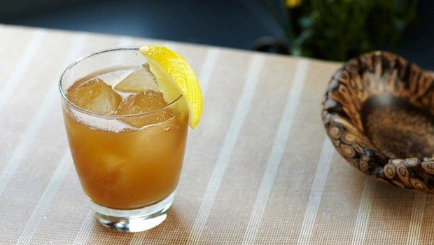 ginger for flu - ginger with honey, lemon and whiskey tonic