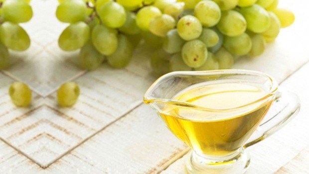 anti aging face mask - honey and grapes face mask