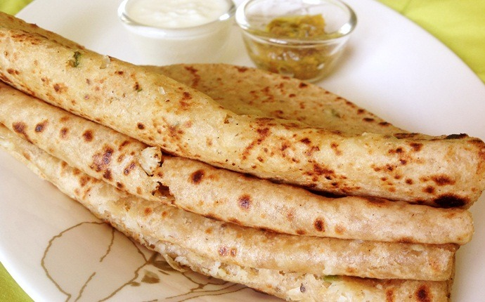indian breakfast recipes - aloo paneer paratha