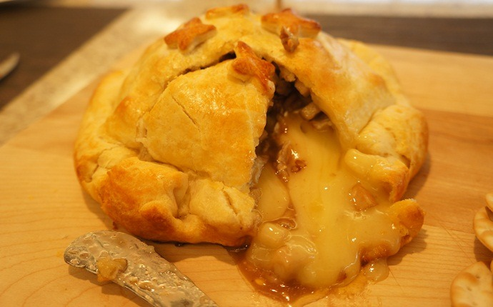 easy brunch ideas - baked brie crescent