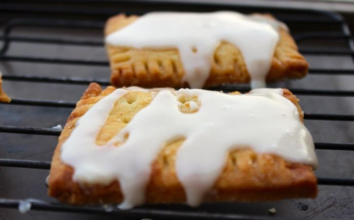 easy brunch ideas - cinnamon sugar pop tarts