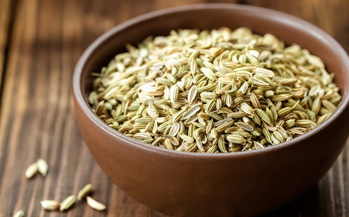 how to get rid of stomach ache - fennel seeds and hot water