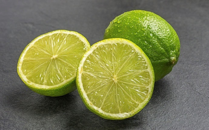 skin tightening face pack - lemon face pack