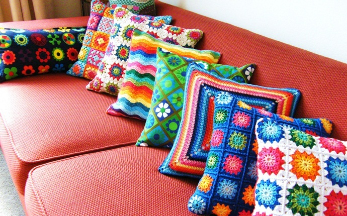 cheap gifts for women - lovely cushions