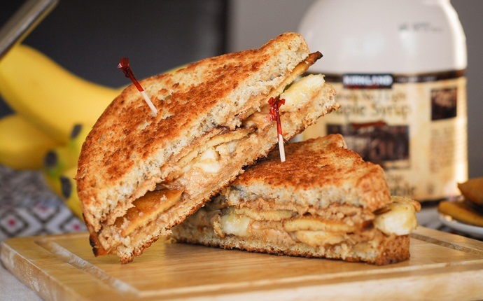easy brunch ideas - peanut butter bacon sandwich