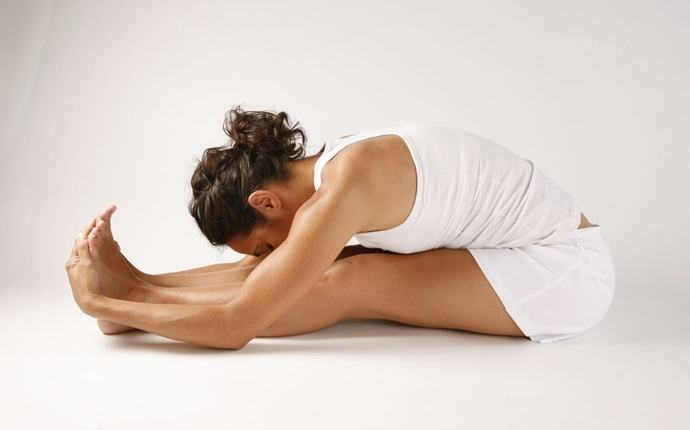 yoga asanas for weight loss - side-bend asana