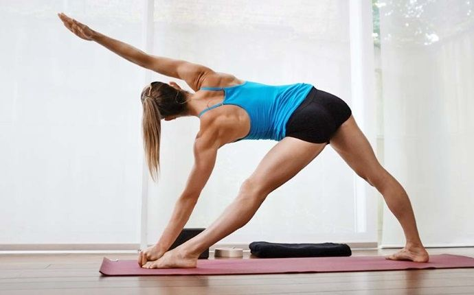 yoga asanas for weight loss - trikonasana