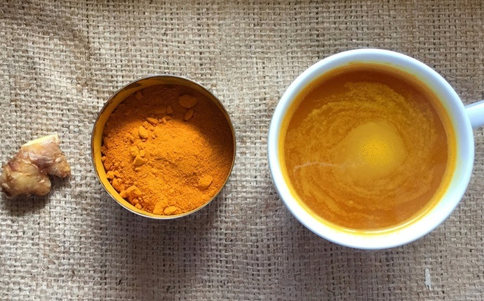 turmeric mask for acne - turmeric and water