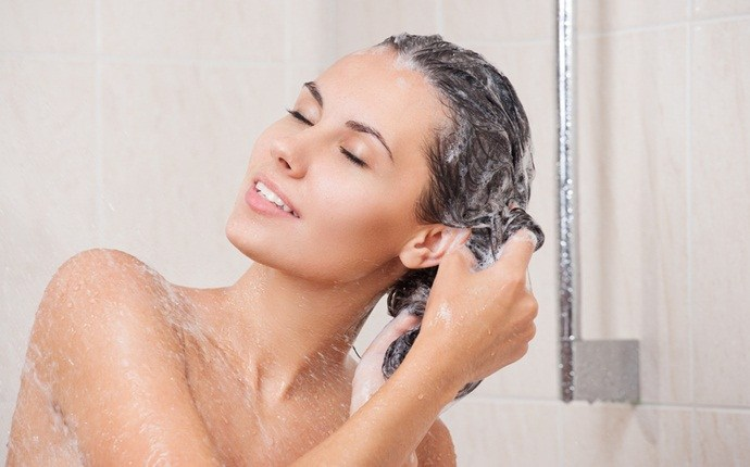how to get rid of dry hair - using proper shampoo for your hair