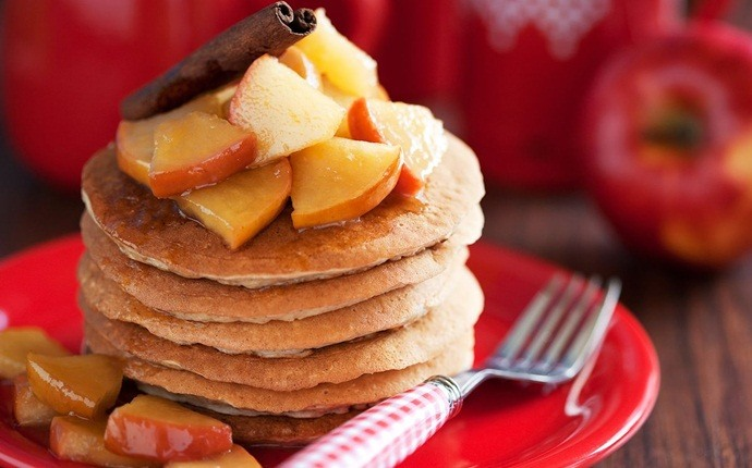 healthy pancake recipes - applesauce pancakes
