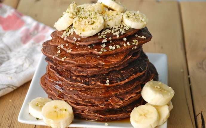 healthy pancake recipes - banana and chocolate protein pancake