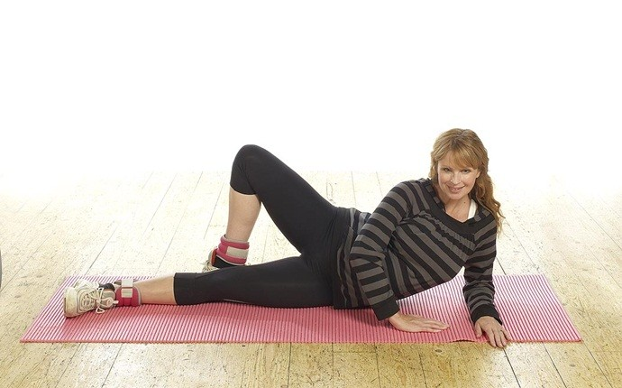 abdominal exercises during pregnancy - side lying crunch