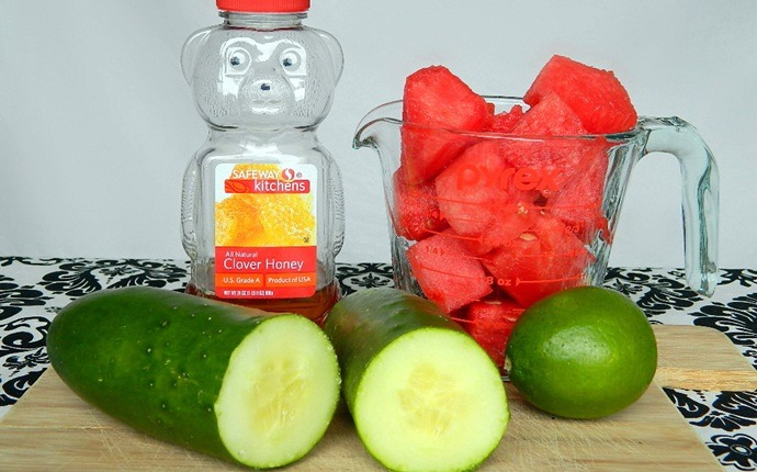 face pack for sensitive skin - watermelon and cucumber face pack