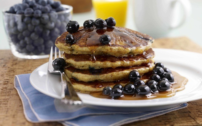 healthy pancake recipes - whole-wheat blueberry pancakes